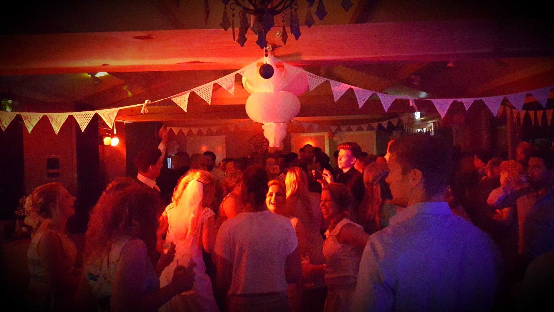 DJ voor bedrijfsfeesten in Venlo Limburg