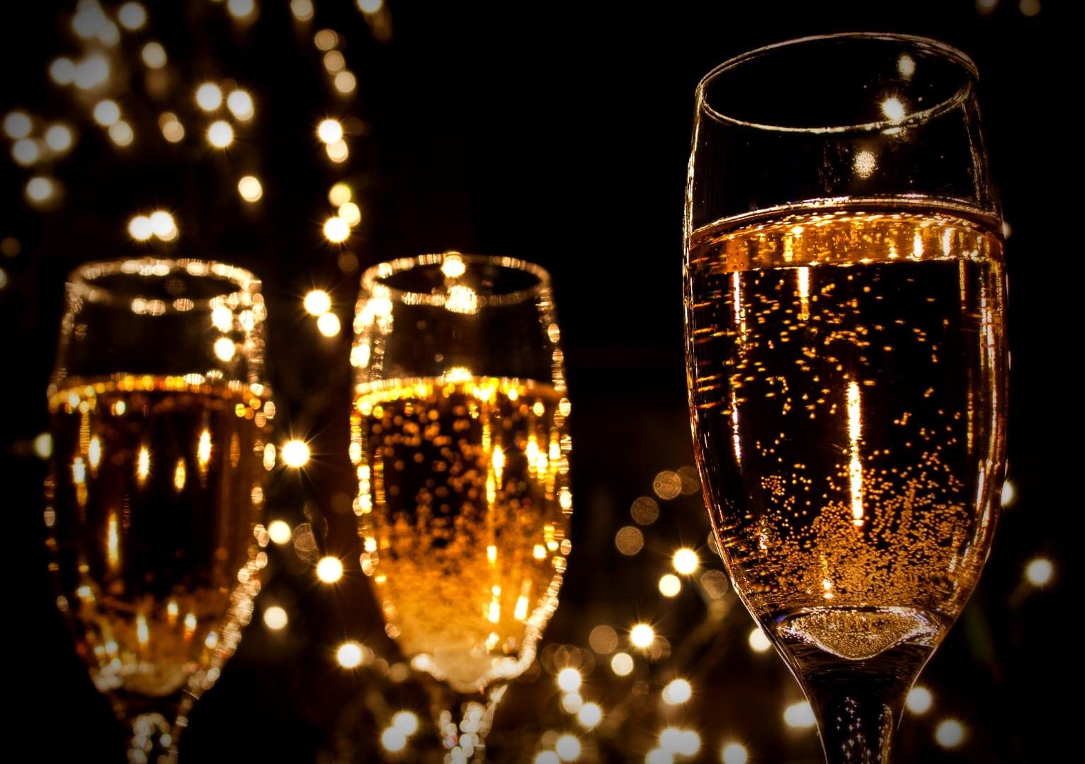 Party DJ's voor bedrijfsfeesten bruiloften en andere feesten of evenementen en disco's in Limburg